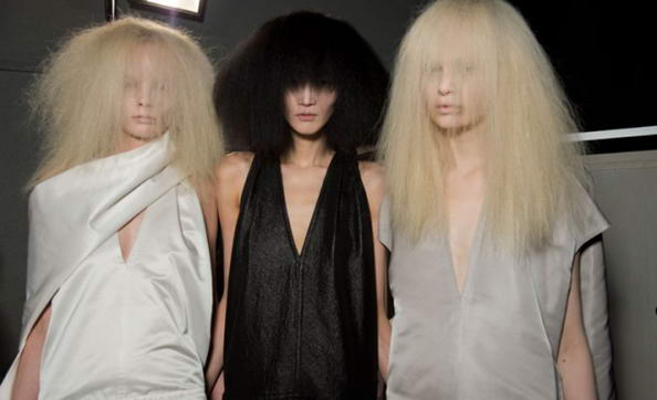 Capelli Paris Fashion Week sfilata Rick Owens.jpg