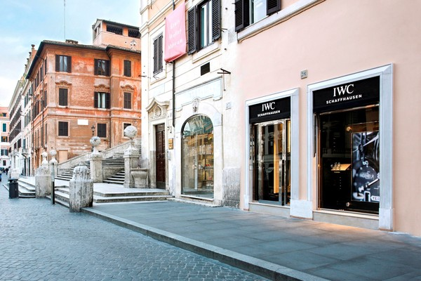 IWC_BOUTIQUE_ROME_1 (Large).jpg